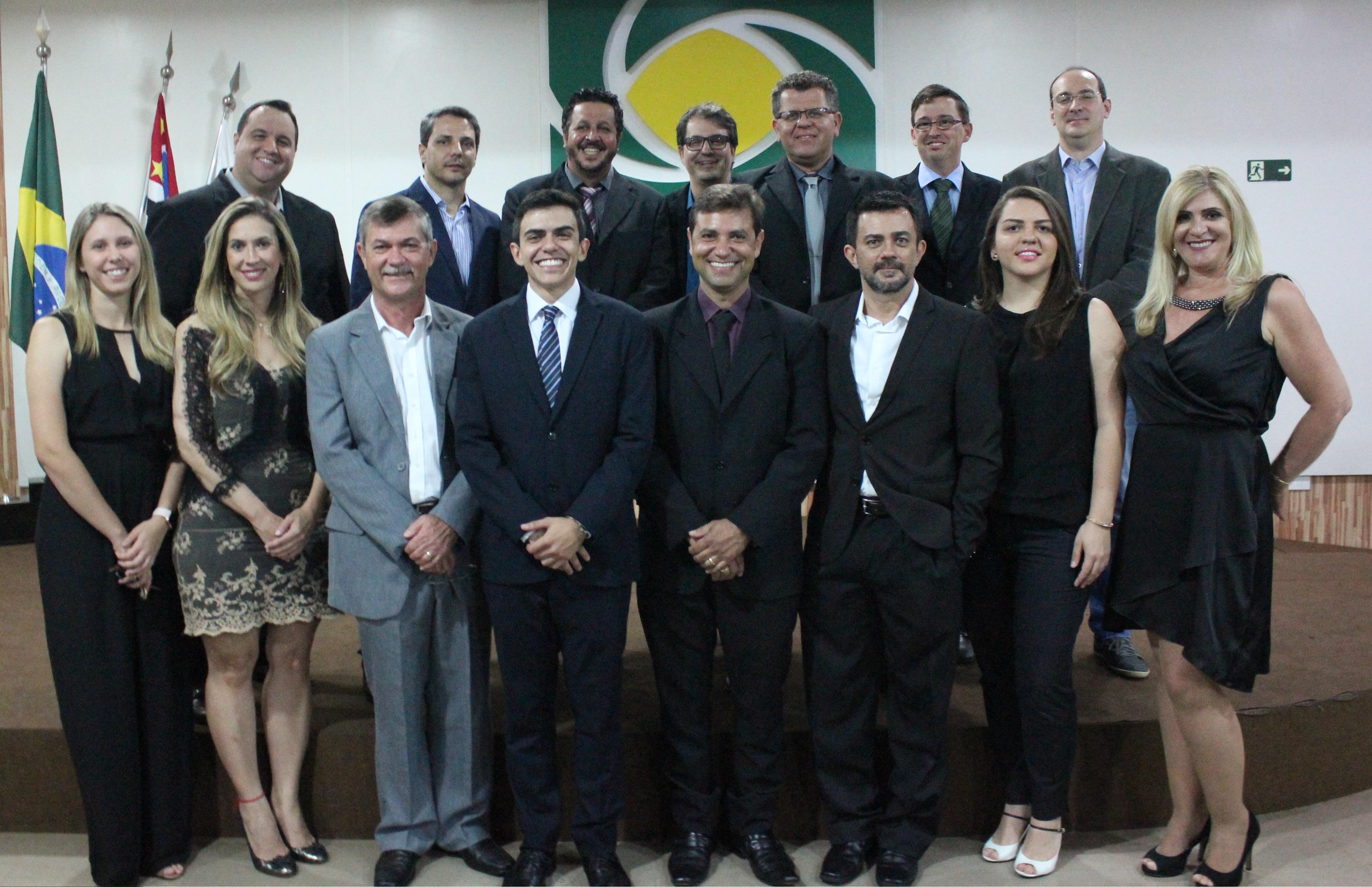 674ee2e7c7415 ACE-Matão realizou neste dia 16 a cerimônia de posse da nova diretoria  eleita para o biênio 2018 2019. A Associação Comercial ...